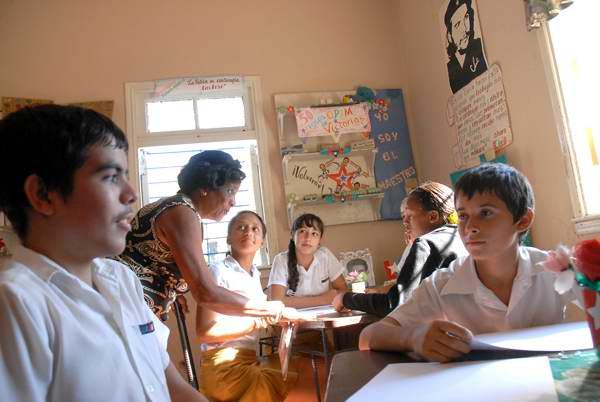 Fortalecen conocimientos de la historia en estudiantado de Guáimaro