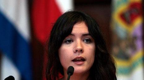 Camila Vallejo en el Aula Magna de la Universidad de La Habana. Foto: Ismael Francisco/ Cubadebate