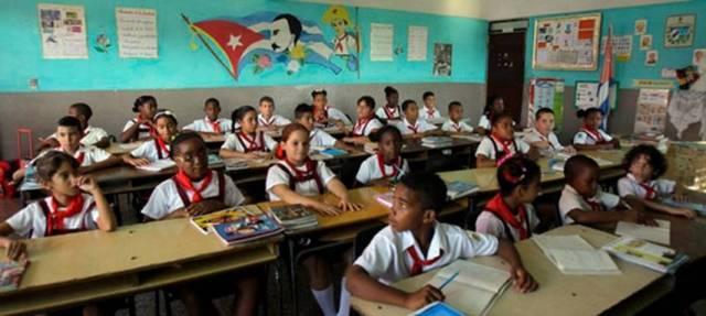 La educación en #Cuba sigue siendo gratuita, pero cuesta
