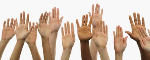manos-levantadas