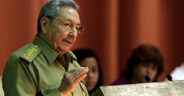 Clausura Raúl Castro, presidente de Cuba, sesión plenaria del parlamento cubano. Foto: Ismael Francisco/Cubadebate © Visión desde Cuba
