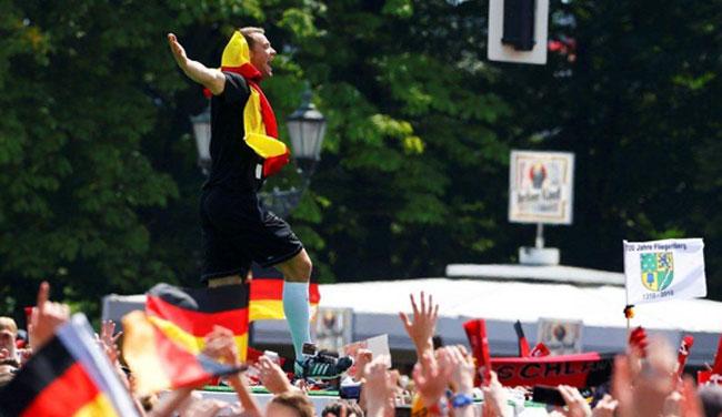 El portero Manuel Neuer, fue uno de los más aplaudidos en la bienvenida alemana a su selección. Foto: Reuters