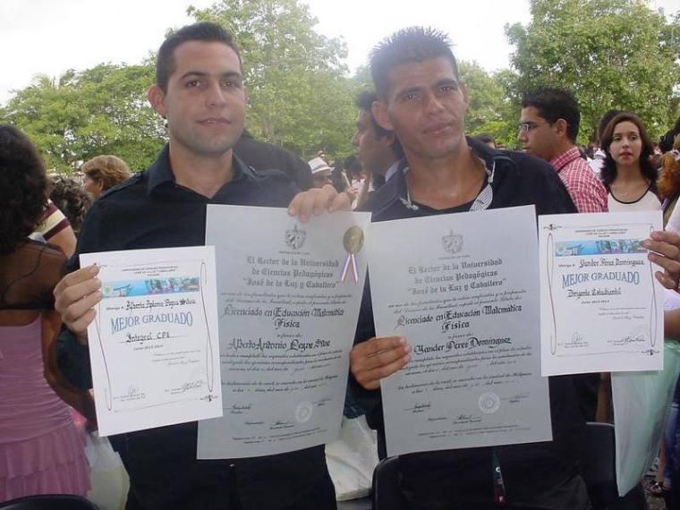 graduados-graduacion-ucph-2014