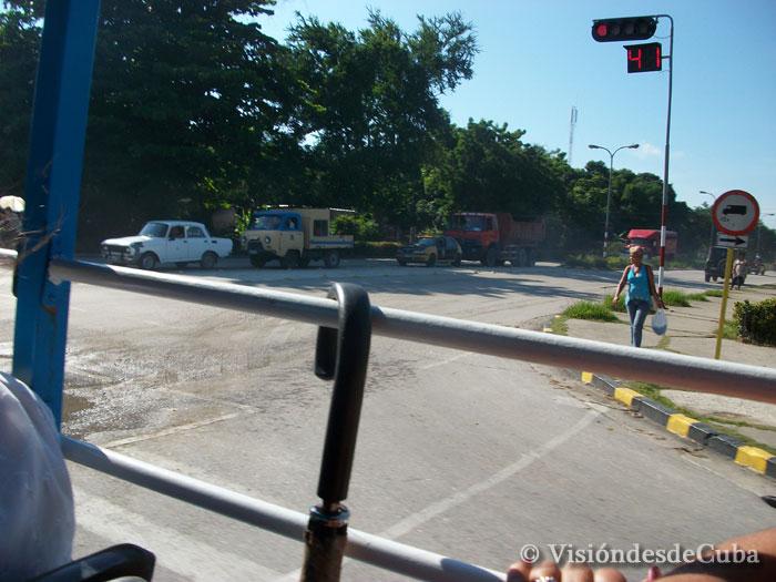 Mientras viajamos podemos ver todo lo que nos rodea. Foto: Luis Ernesto/Visión desde Cuba.