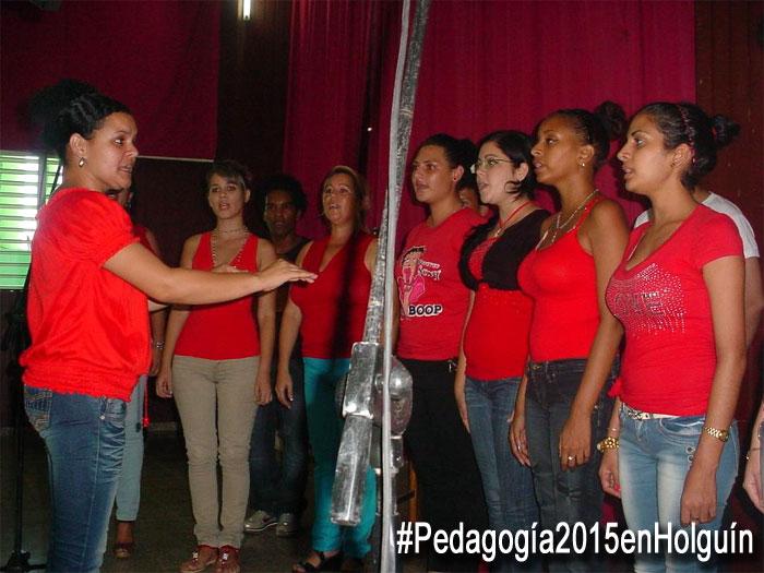 El Coro de la Universidad durante la clausura de Pedagogía 2015 en Holguín. Foto: Francisco Rojas.