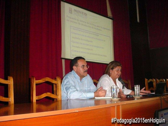Conferencia de Eva Escalona Serrano, Directora de Ciencia y Técnica del Ministerio de Educación. Foto: Francisco Rojas.