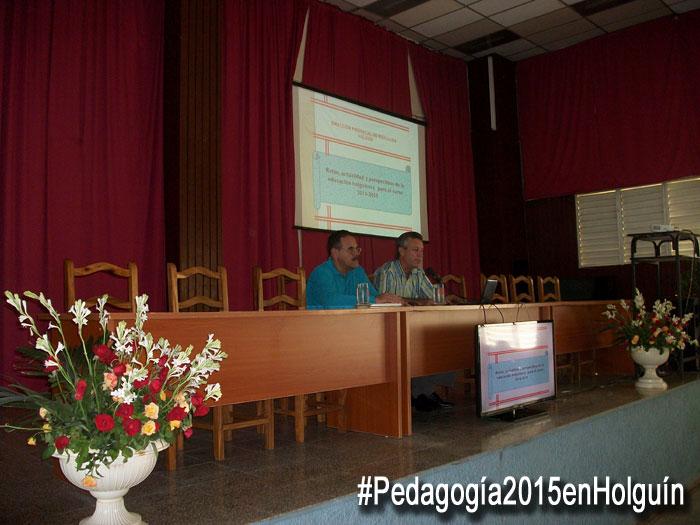 Conferencia de Rafael Aguilera Otero, Director provincial de educación en Holguín. Foto: Osmel Chapman.