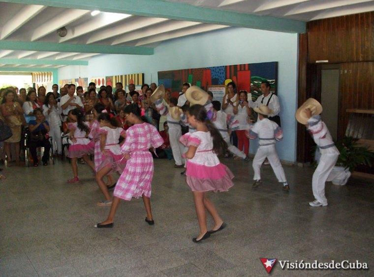 Estudiantes de varias escuelas de Holguín actuaron para los delegados a Pedagogía 2015. Foto: Luis Ernesto Ruiz Martínez.