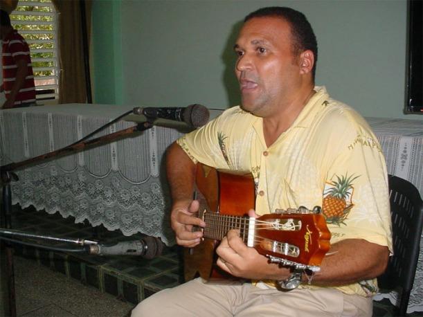 Ernesto Galbán Peramo en una de sus presentaciones en la Universidad. Foto: Francisco Rojas/Blog Joven Manicato.