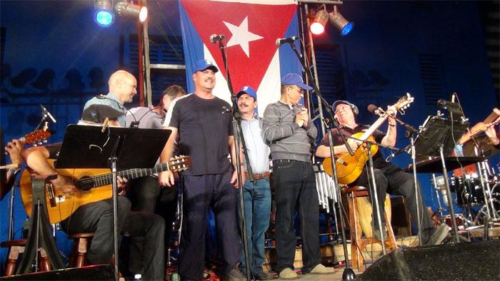 Silvio Rodríguez con Los Cinco. Foto: Aday del Sol/Cubasi