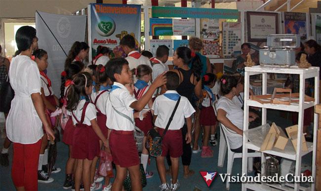 Amplia participación de estudiantes en la primera jornada de Expociencia2015. Foto: Luis Ernesto/Visión desde Cuba