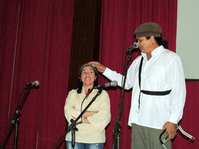 Caricare deleitó a todos con su excelente manera de hacer humor. Foto: Francisco Rojas.