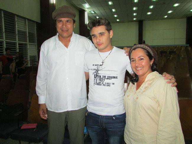 Onelio y Mireyita con su público universitario. Foto: Francisco Rojas.
