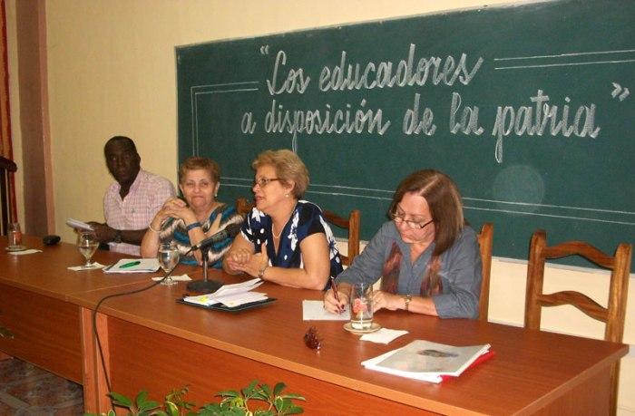 De izquierda a derecha Pedro Valiente, Fátima Addine, Marcia Noda y Graciela Góngora. Foto: Luis Ernesto.