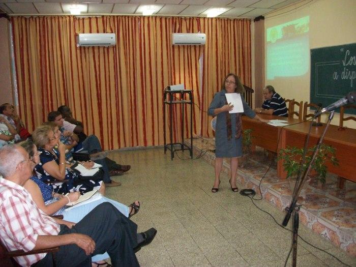 Intercambio entre miembros de la Junta de Acreditación Nacional y profesores de la Universidad de Ciencias Pedagógicas de Holguín. Foto: Luis Ernesto.