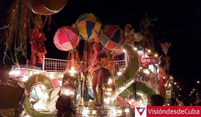 Una de las noches del Carnaval Holguín 2014. Foto: Luis Ernesto.