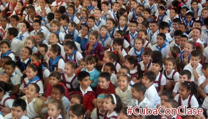 Niños y niñas en una escuela holguinera. Foto: Luis Ernesto.