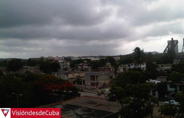 Cielo nublado en la mañana holguinera. Foto: Luis Ernesto.