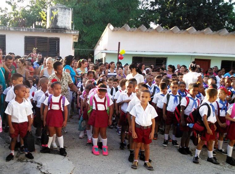 Comienzo del curso escolar en la escuela Viet  Nam Heroico del municipio Cotorro, La Habana. Foto: Cubaeduca.