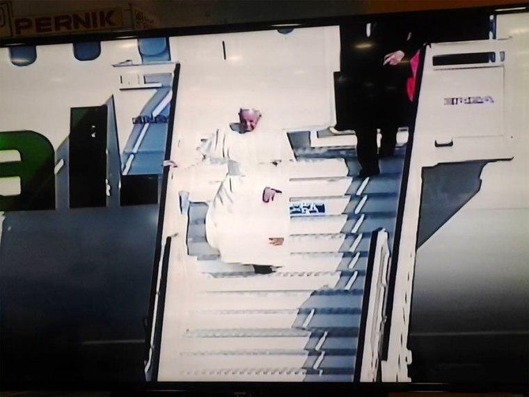 llegada-papa-holguin6