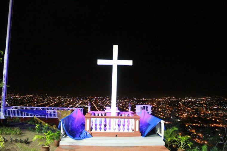 Loma de la Cruz, punto más alto de la ciudad de Holguín. Foto; Reynaldo Cruz.