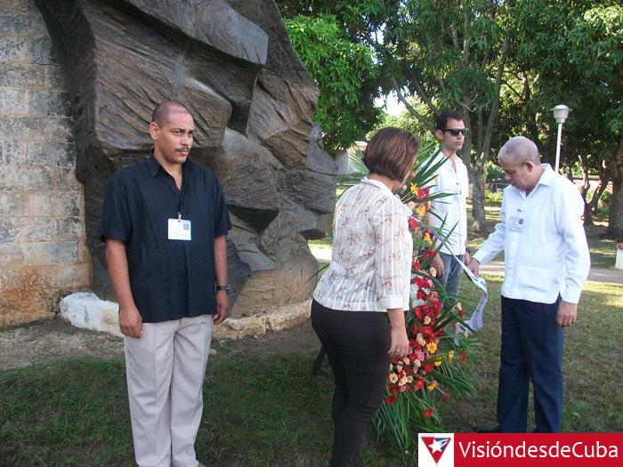 Asamblea Provincial de la Unión de Informáticos de Cuba. Desarrollada en el Recinto ferial Expo Holguín con la presencia de 133 delegados que inicialmente depositaron una ofrenda floral en el Monumento a Maceo. VDC FOTO/Luis Ernesto Ruiz Martínez.
