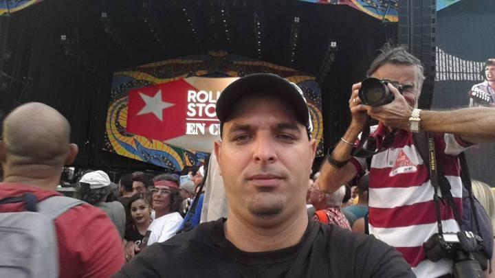 Alejandro Cruz, haciendo pruebas de cámara.