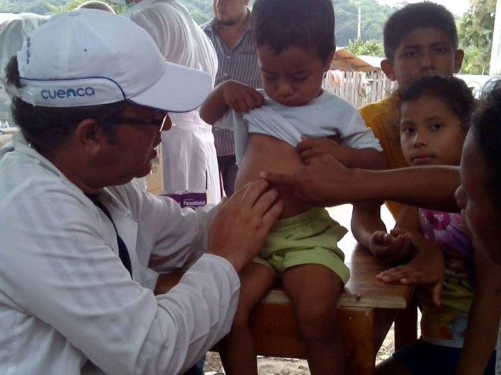 Brigada médica cubana continúa atendiendo a los afectados del terremoto en Ecuador.