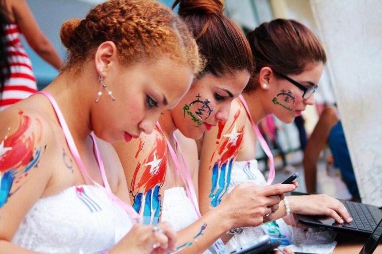 Algunos llevan también las Romerías a flor de piel. Foto: Carlos Lázaro Wilson García.