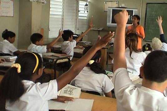 Aula de secundaria básica en la Lydia Doce, de la ciudad de Holguín. Foto: Archivo/Radio Angulo.