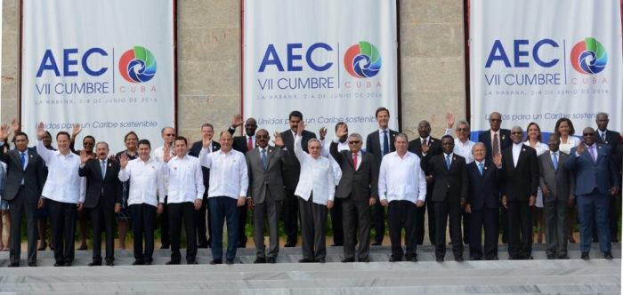 Foto Oficial de la VII Cumbre de Jefes de Estado y/o Gobierno de la Asociación de Estados del Caribe (AEC), en el Palacio dela Revolución, en La Habana, Cuba, el 4 de junio de 2016. ACN FOTO/Arelys María ECHEVARRÍA RODRÍGUEZ