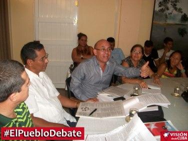 pueblo-debate-uho-vdc10