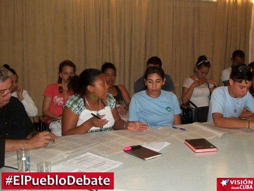 pueblo-debate-uho-vdc6