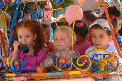 Infantes disfrutando de las actividades por el Día de los Niños, en la ciudad de Holguín, Cuba, el 17 de julio de 2016. ACN FOTO/Juan Pablo CARRERAS/sdl