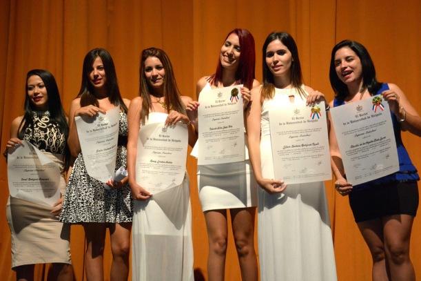 Acto de graduación de la Universidad de Holguín, efectuado en el Teatro Eddy Suñol de la capital provincial, en Cuba, el 19 de julio de 2016. ACN FOTO/ Juan Pablo CARRERAS.