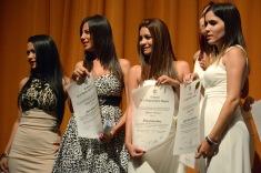 Acto de graduación de la Universidad de Holguín, efectuado en el Teatro Eddy Suñol de la capital provincial, en Cuba, el 19 de julio de 2016. ACN FOTO/ Juan Pablo CARRERAS/ rrcc