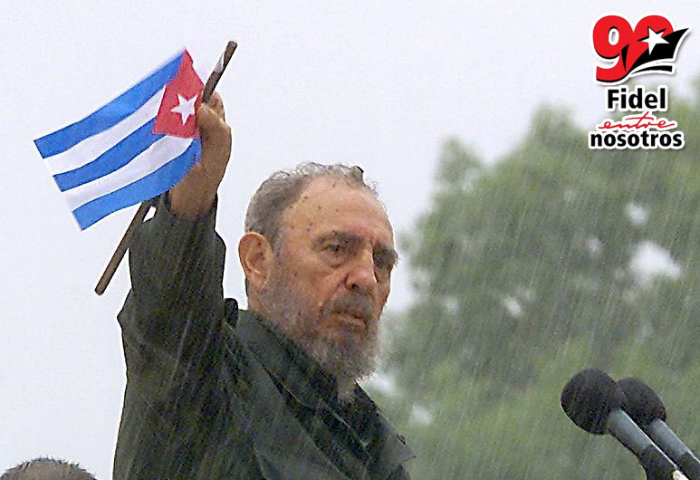 25-fidel-tribuna-jun2002