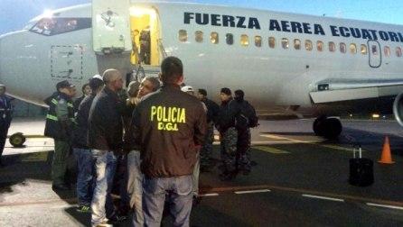 avion-ecuador-cubanos