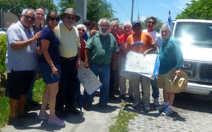 Algunos de los organizadores de la Caravana en Miami. Foto: Carlos Rafael Diéguez.