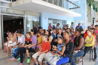 """Presentación especial de la Compañía """"Palabras al Viento"""" por el Día de los Niños. Foto: Carlos Parra Zaldívar."""