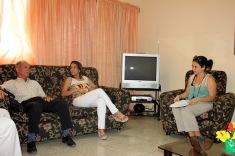 Los asistentes intercambian momentos antes de la firma del Contrato de prestación de servicios de la Agencia Cubana de Noticias a la Universidad de Holguín. Efectuada el 7 de julio de 2016 en la Sede Celia Sánchez Manduley. UHO FOTO/Torralbas.