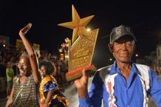 La comparsa de Pueblo Nuevo obtuvo el Primer lugar de Comparsas del Carnaval Holguín 2016, durante la clausura de la fiesta popular, en la ciudad cubana de los parques, el 21 de agosto de 2016. ACN FOTO/Juan Pablo CARRERAS/sdl