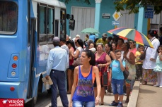 Llegó la guagua. Visiones que muestran la realidad cotidiana de Holguín. VDC FOTO/Luis Ernesto Ruiz Martínez.