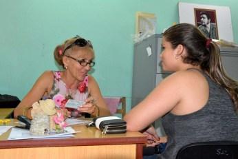 Con profesionalidad se desarrolla el proceso de matrícula para el nuevo curso escolar 2016-2017 que se desarrolla en todas las sedes de la Universidad de Holguín desde el lunes 29 de agosto de 2016. UHO FOTO/Luis Ernesto Ruiz Martínez.