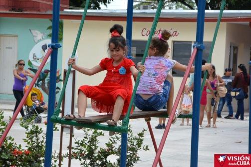 Los pequeños disfrutan de cada visita al Parque Infantil de la ciudad de Holguín. VDC FOTO/Luis Ernesto Ruiz Martínez.