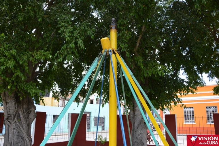 Algunos equipos piden a gritos una reparación urgente en el Parque Infantil Rubén Bravo de la ciudad de Holguín. VDC FOTO/Luis Ernesto Ruiz Martínez.