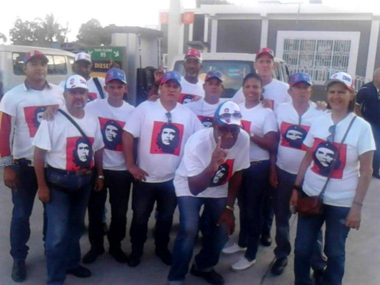 """Parte de la Brigada Médica """"Henry Reeve"""" que se dispone a trasladarse al lugar donde trabajaran al sur de Haití. Foto tomada del perfil de Enmanuel Vigil en Facebook."""