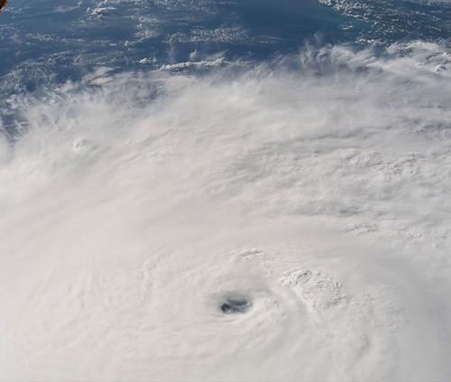 Impresionante foto de Matthew tomada esta mañana desde la Estación Espacial Internacional. /Foto de la cuenta en Twitter @Space_Station
