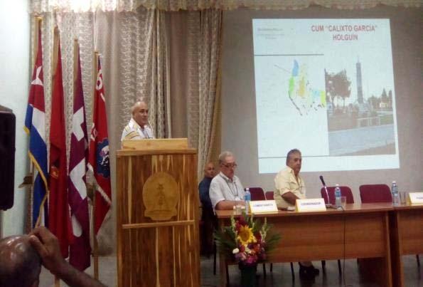 El Director del Centro Universitario Municipal de Calixto García, expone las experiencias de GUCID en el municipio.