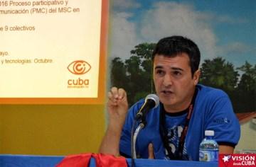 José Manzaneda, Coordinador de Cubainformación, expone en el Primer Encuentro de Experiencias Mediáticas Alternativas, prmovido por el ICAP, efectuado en el Hotal Pernik de Holguín. VDC FOTO/Luis Ernesto Ruiz Martínez.